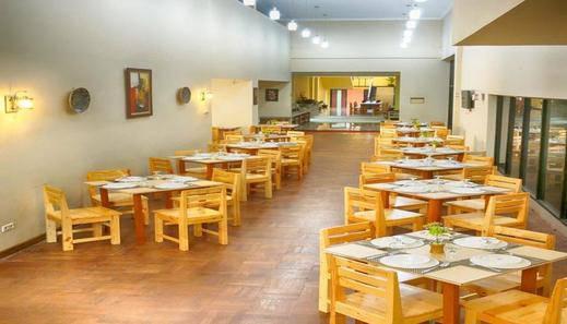 Hotel Gerbera Puncak - Restaurant