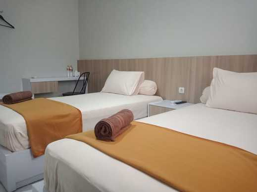 Hotel Alibaba Banjarmasin - Twin Bed