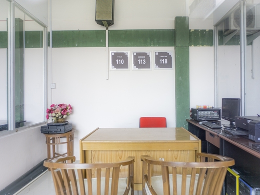 OYO Life 2354 Rose House Medan - Reception