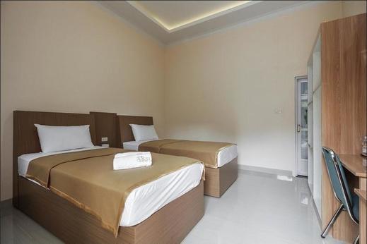 Hotel Aksi Natural Resort Pangkalpinang - Twin