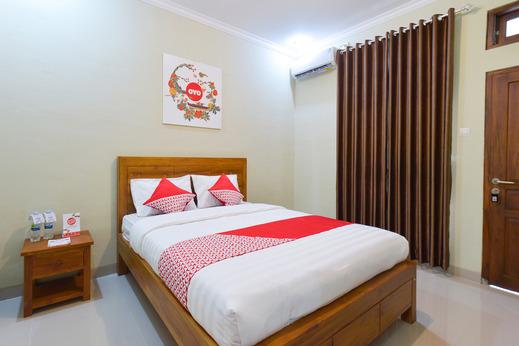 OYO 594 Joglo Manggisan Syariah Yogyakarta - Bedroom