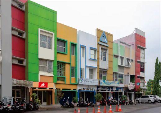 JO Guest House Cengkareng Jakarta - Facade