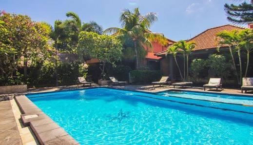 Kedin's Inn Hotel Bali - Pool