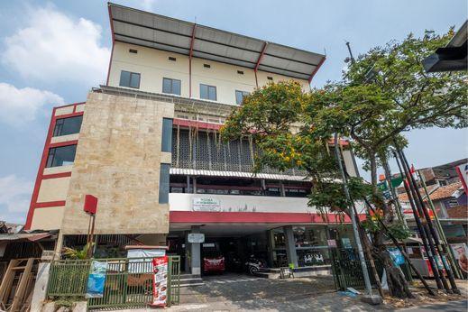 OYO 1360 Bumi Makhraja Bandung - Facade