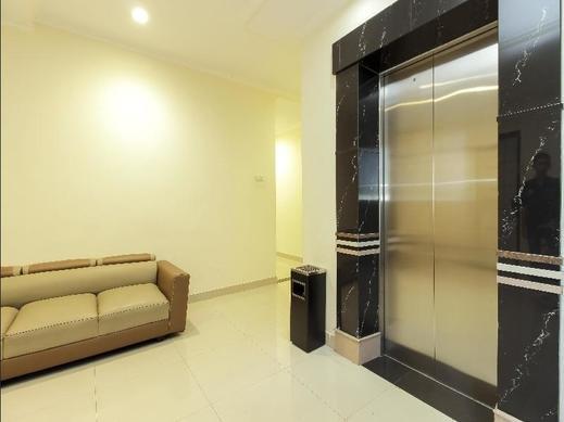 RedDoorz Plus @ Paal 2 Manado Manado - Interior