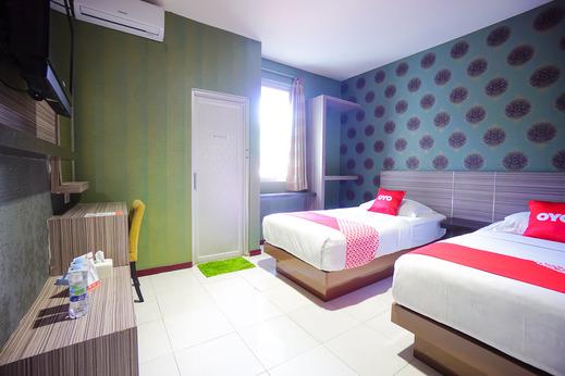 OYO 2526 Hotel D'komo Manado - Standard Twin