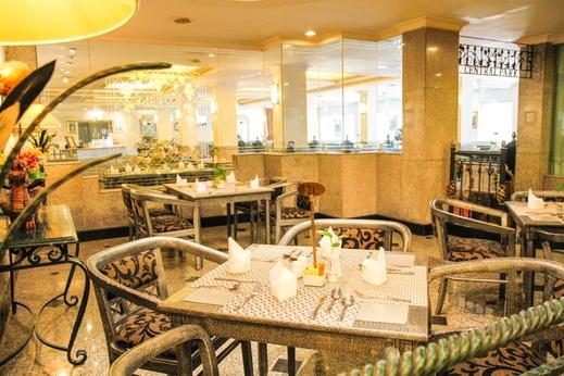 New Metro Hotel Semarang - restaurant