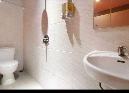 Lantai 6 Hotel Jakarta - Bathroom