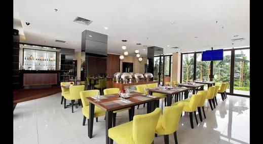 The Green Hotel Bekasi - Ruang makan