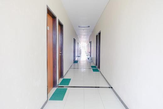 Tya Guest House Malang - Interior