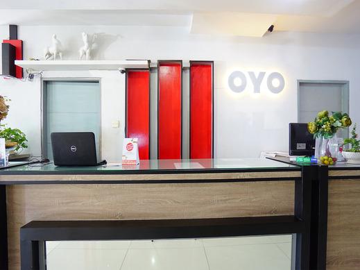 OYO 1318 Hotel Prince Boulevard Manado - Reception