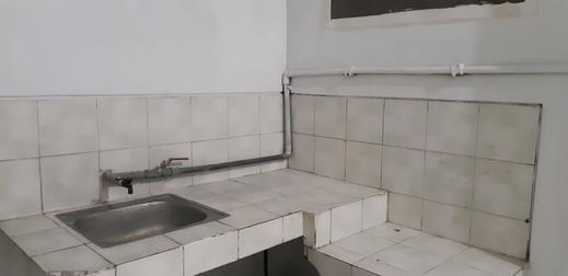 Budget Room 68 Pecinan Semarang Semarang - Kitchen