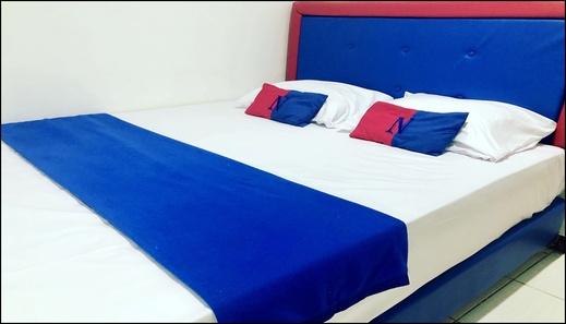 Red n Blue Hotel Jakarta - room