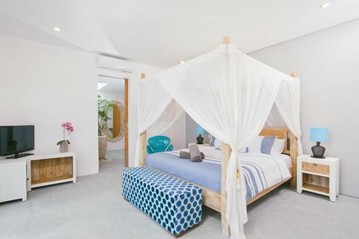 Villa Azure Bali - Bedroom