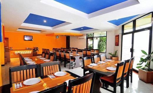 Tinggal Standard at By Pass Ngurah Rai Denpasar - Restoran