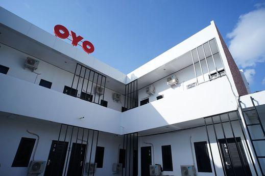 OYO 1125 Sani Guest House Balikpapan - Entrance