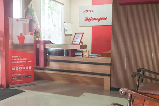 RedDoorz near Bojonegoro Train Station Bojonegoro - Photo