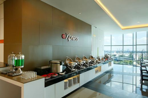 Amaris Season City Jakarta - Breakfast Area