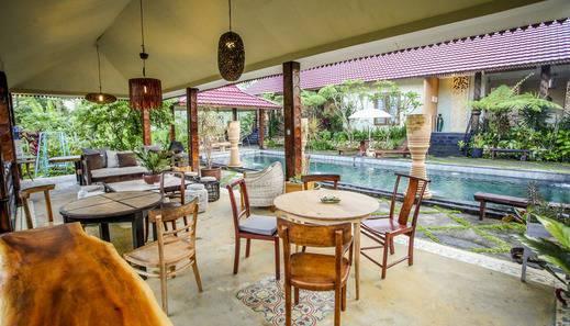 Villa Padi Cangkringan - tempat duduk santai