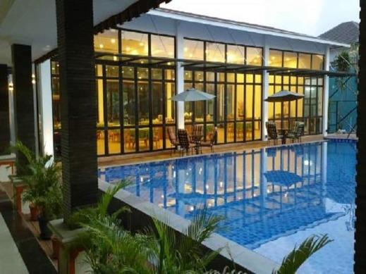 Patra Comfort Jakarta - Outdoor Pool