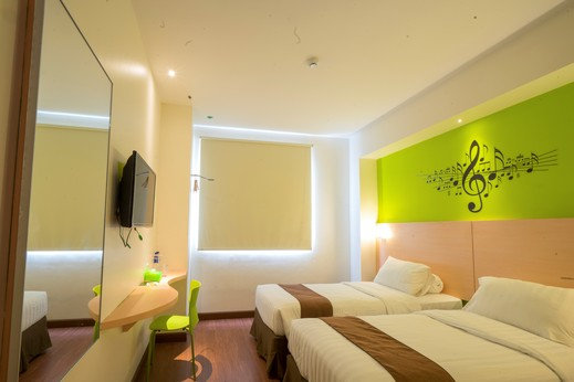Front One Hotel Jayapura - Deluxe twin bed