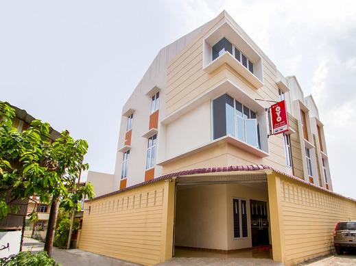 OYO 3316 Adam Malik Guesthouse Medan - Facade