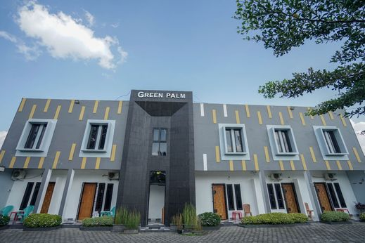 OYO 1266 Green Palm Kostel Syariah Lubuklinggau - Facade