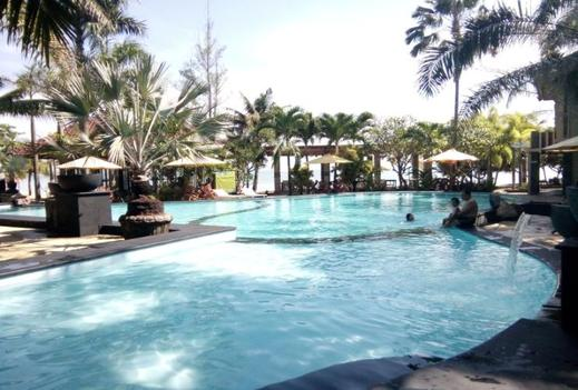 Palm Beach Resort Jepara - Pool