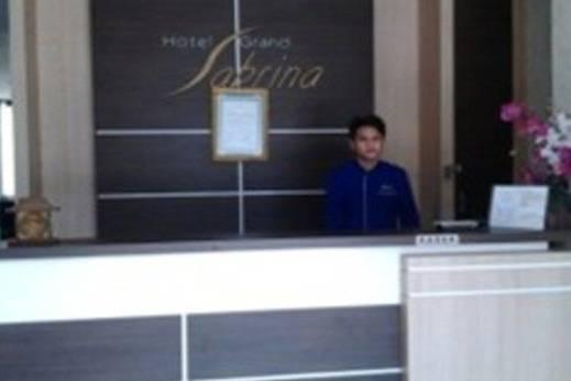 Grand Sabrina Hotel Pangkalpinang - Resepsionis