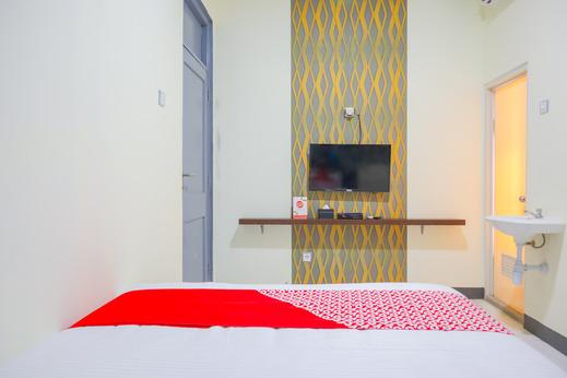 OYO 2308 Seven Season Residence Near RSUD Tarakan Jakarta Jakarta - Standard Double Room