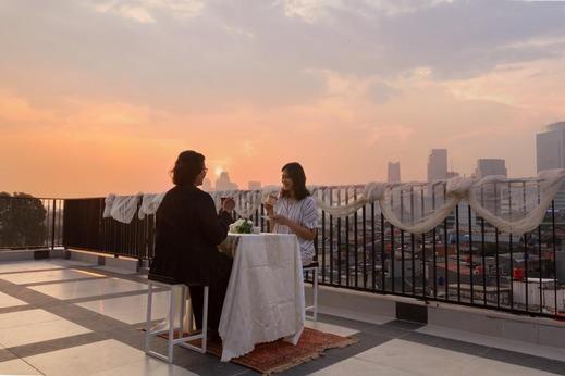 Front One Residence Syariah Mampang Jakarta - Sky Lounge