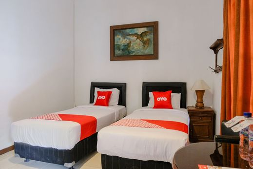 OYO 1614 Hotel Mandala Puri Malang - Bedroom