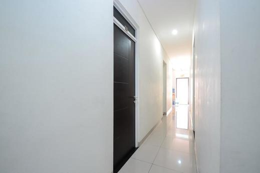 Airy Pecinan Kalikuping Utara 243 Semarang - Corridor