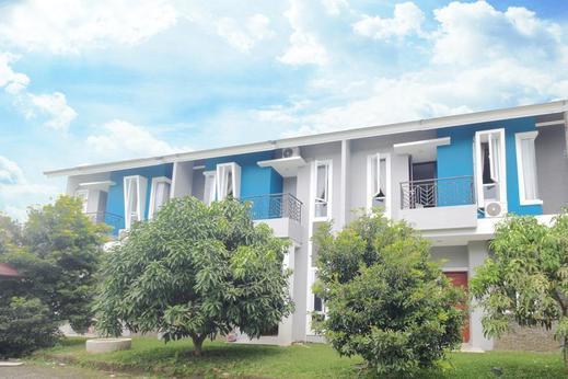 Airy Eco Medan Tuntungan Jamin Ginting Villa Zeqita Medan - Hotel Front
