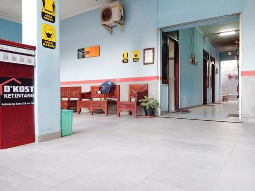 D'Kost Ketintang Surabaya - Ruang Tamu