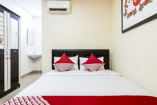 OYO 786 Sutomo Guest House Medan - Bedroom SD