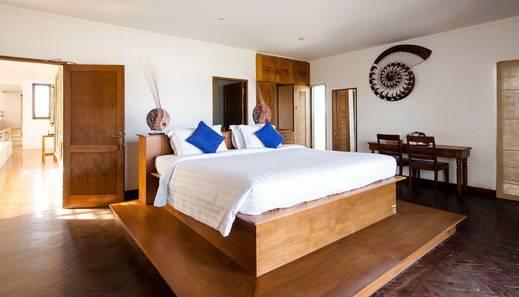 Suarti Resort Villas & Gallery Bali - Kamar Tidur