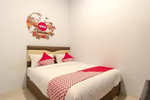 OYO 397 Daily Guest House Deli Serdang - BEDROOM