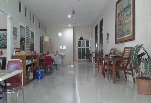 Clover Guest House Mimika - Interior