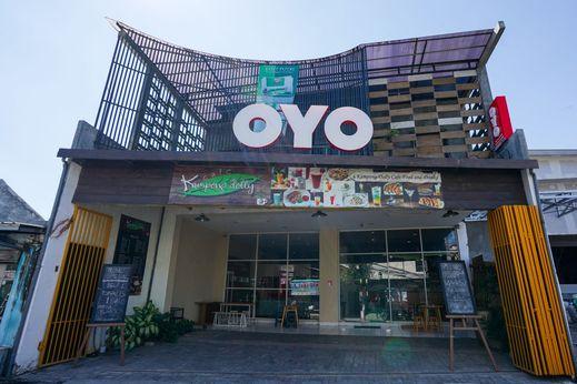 OYO 1169 Kupang Gunung Residence Syariah Surabaya - Facade