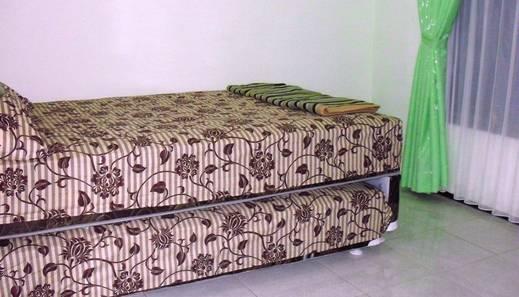 Villa Pondok Daun Malang - Kamar Tamu