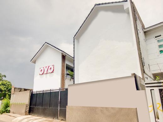 OYO 1345 Alfalah Residence Medan - Facade