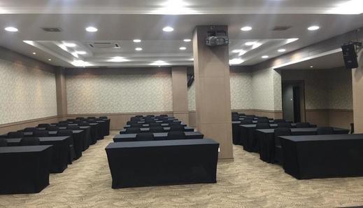 The Venesia Hotel Tangerang Selatan - Facilities