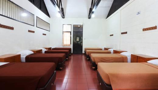 Hotel Desa Wisata Jakarta - Room 10 pax