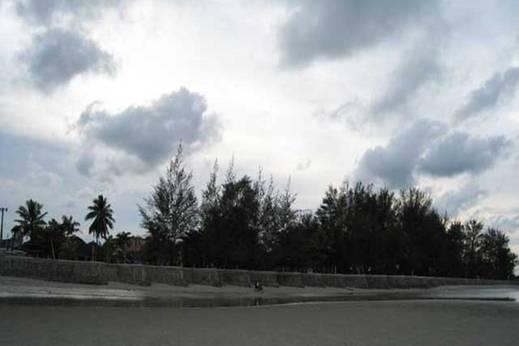Serrata Terrace Hotel Pangkalpinang - Pemandangan Pantai