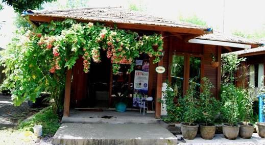 Villa Dahlia Manado - (23/May/2014)