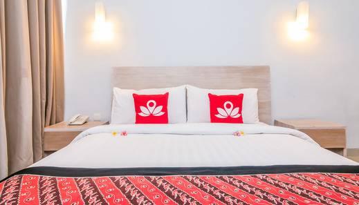 ZenRooms Seminyak Umalas Kauh - Tampak tempat tidur double