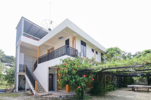 Airy Syariah Pondok Bambu 3 Bojonegoro - Hotel Building