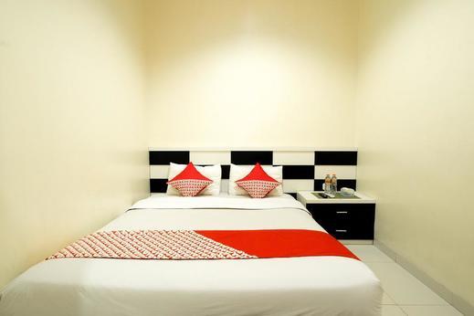 OYO 342 De'Kayakini Hotel Bandung - Bedroom