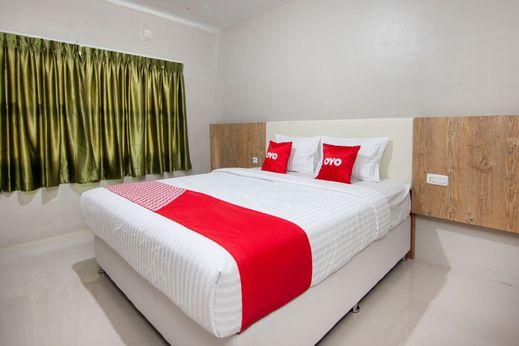 OYO 1677 Gapura Hotel Danau Toba - Standard Double